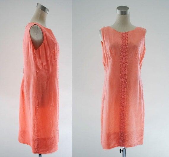 Vintage 1960s Peach Lace Trim Shift Dress