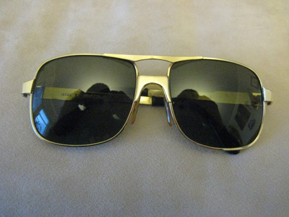 Hawk Gold Aviator Sunglasses by Windsor solid metal frame