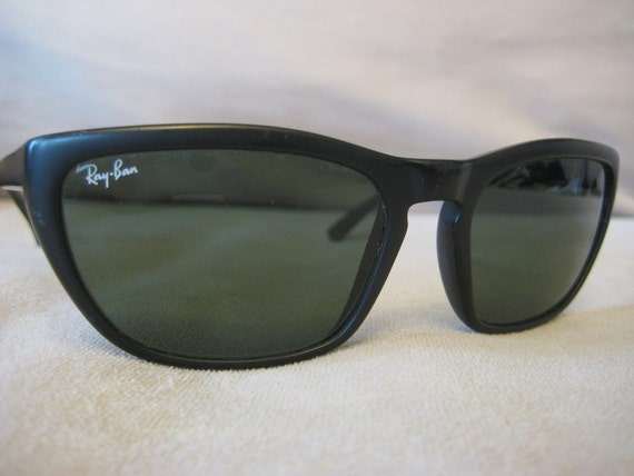 RESERVED for gollygill --Ray-Ban Predator Series Sunglasess Black w/ green tint lenses & ray-ban case