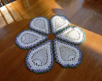 Green and Purple-trimmed Pineapple Doily