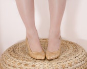 Nude Snakeskin Shoes - Vintage 1970s Pumps - Light Caramel Leather High Heels - 7 US