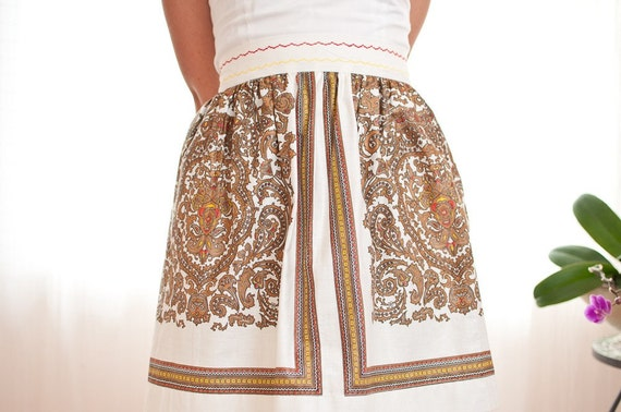 Vintage White Cotton Half Apron with Intricate Decorative Print