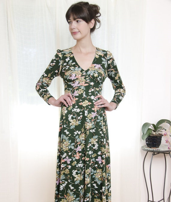 Vintage 1970s Forest Green Floral Maxi Dress - S / M