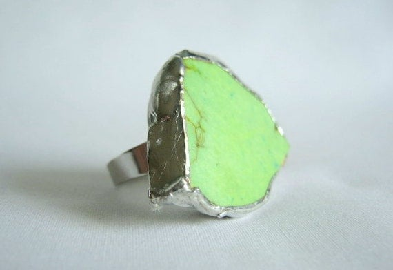 ring - triangular  lime green magnesite, adjustable