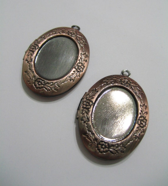 NEW ITEM 2 Pieces Antique Copper Floral Locket with Inset for 18x13MM Cameo or Cabochon