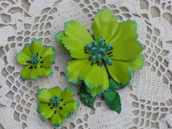 RESERVED FOR JENN - 1960s Flower Power Lime and Turquoise Enamel Brooch/Earrings