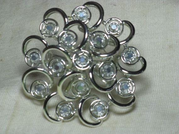 Sarah Coventry Large Metallic Rhinestone Brooch/Pin (B-3-2)