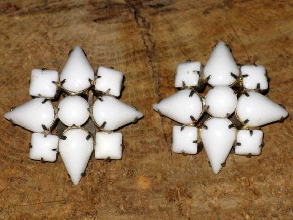 CLEARANCE SALE - Vintage 1960s White Milk Glass Star Clip Earrings  (E-1-7)