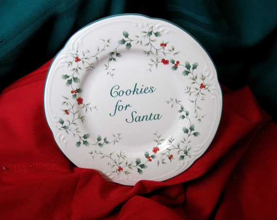 CHRISTMAS SANTA   Cookies for Santa / Collectible  Plate 9 inch /   Santa  Plate