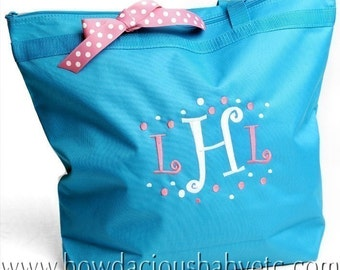 Personalized Zippered Tote Bag, Personalized Overnight Bag, Monogrammed Overnight Bag, Flower Girl Gift, Bridesmaid Gift
