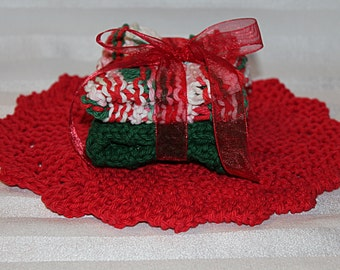 Red, Whte and Green - Christmas - Hand Knit Dish Cloth - Wash Cloth Set