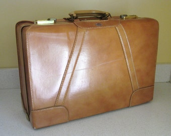 Vintage Towne USA Brown Leather Suitcase