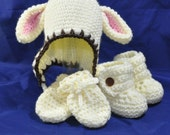 Lamb Hat, Booties and Mittens, in size 6 to 12 months