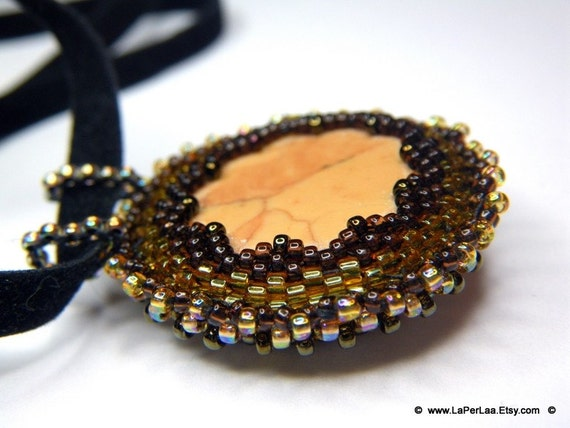 CAPPUCCINO- beaded pendant with natural sea beach pebble from the roman beach of ostia (double face)