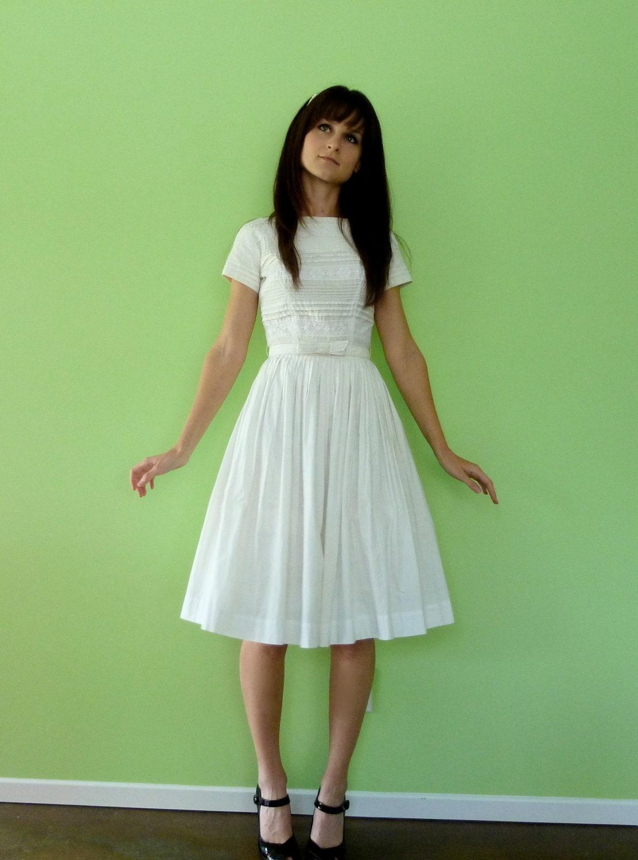 1950s White Lace Dress Full Skirt Cotton Wedding Party Dress
