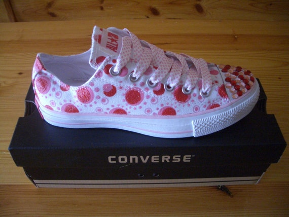 Pixie Dusted Converse Chuck Taylors Women's Size 6M