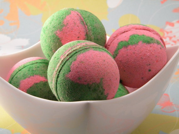 Bliss Passionfruit & Guava Bath Bomb 5 oz