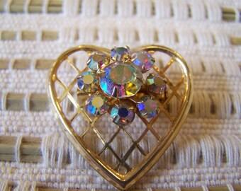 AURORA BORALICE HEART PIN