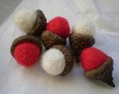 Red & White Felted Acorns - Valentine Christmas Holiday Winter Decor - rainydayyarnshop