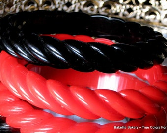 Bold Red Black Vintage Lucite Bangles Set Carved Haute Couture Modern Demi Rope Chunky Bracelets Lipstick Bakelite Era Lot Hollywood Mad Men