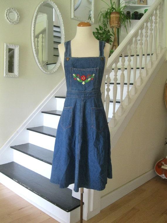Vintage 70s denim overall jumper dress with embroidered flowers(sm-med)