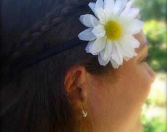 White Daisy Stretch Headband-Flower Hair Headband, Country Chic Weddings, Bohemian Headband, Boho Chic Fashion, Music Festivals, Hippy Style