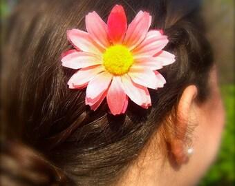Daisy Hair,Daisy Hair Clip,Bohemian Hair Accessories,Music Festival Accessories,Pink Flower Hair Clip,Renaissance Hair,Boho Hair Clip,Floral