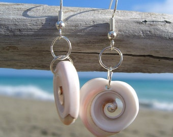 Seashell Earrings,Beach Wedding,Shell Earrings,Bridesmaid Gift,Seashell Jewelry,Mermaid Jewelry,Beach Love,Nautical Earrings,Ocean Jewelry