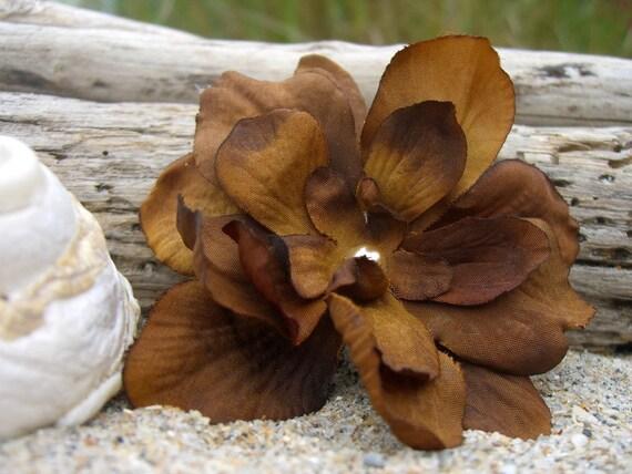 Flower Hair Clip-RUSTIC BROWN-Beach Weddings, Flower Hair Clips, Rustic Weddings, Picnics, Summer Hair, Country Girl, Barn Dance