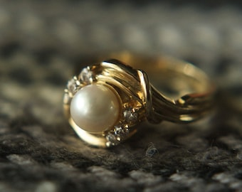 Vintage Brand New Pearl 14k gold ring with CZ.