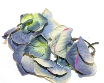 100 Blue-Violet Hydrangea Blossoms