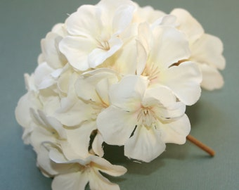 1 Creamy White Geranium Bunch - Full Head - Artificial Flowers, Blossoms, Silk Flowers - PRE-ORDER