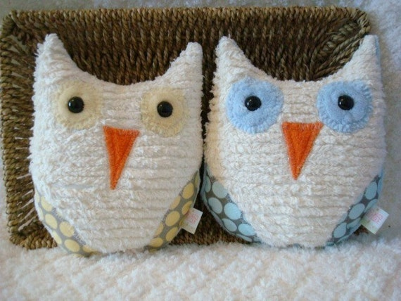 Two Little Hoot Owls -Slate and Yellow Full Moon polka Dot, Cream Minky and Chenille Fabrics
