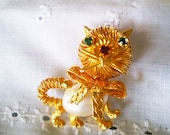 Fuax pearl and rhinestone Kitty Kat pin