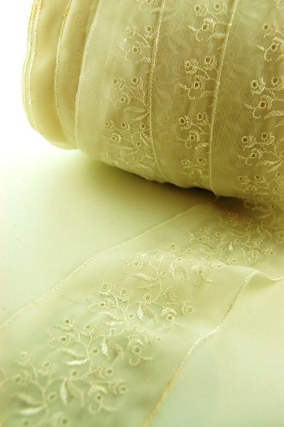 I Feel Pretty Ivory Lingerie Delicate Wide Lace Trim