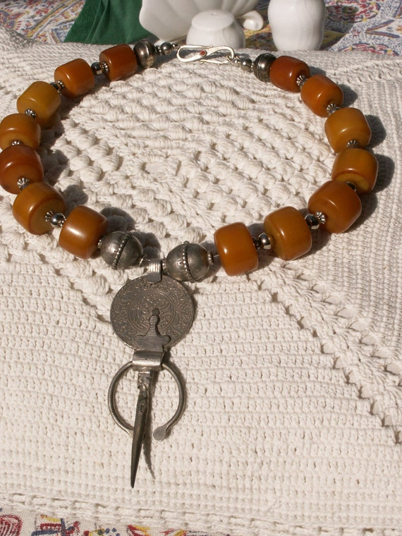 Superb silver fibula from Morocco - African amber necklace