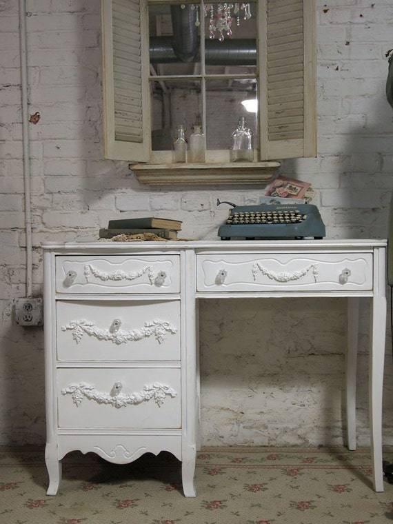 Vintage Painted Cottage Chic Shabby White French Provincial Romantic Desk DK004