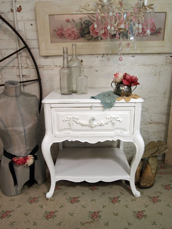 Painted Cottage Chic Shabby White Night Table NT270