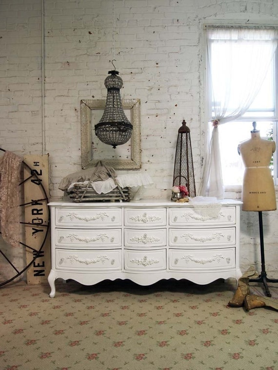 RESERVE KAYLA Painted Cottage Chic Shabby White French Dresser DR336