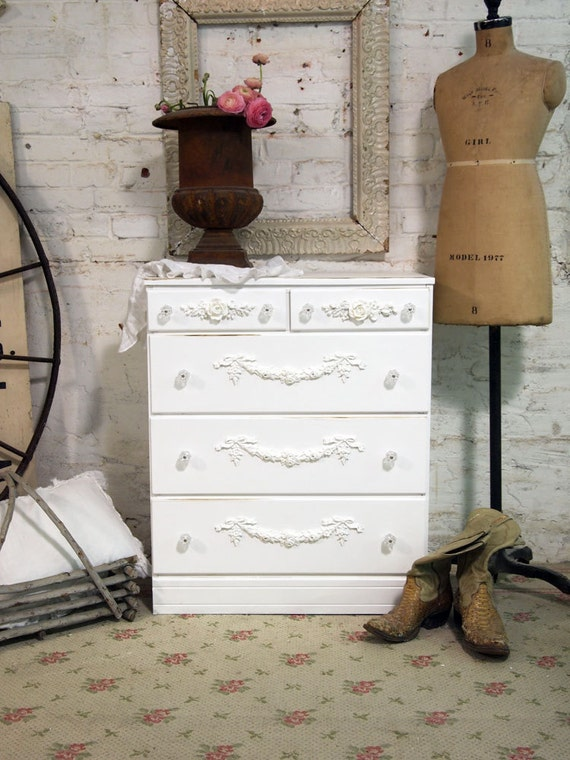 Painted Cottage Chic Shabby White French Chest of Drawers CH322