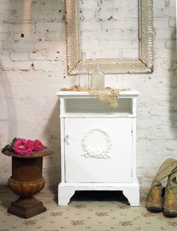 Painted Cottage Chic Shabby White Night Table NT386