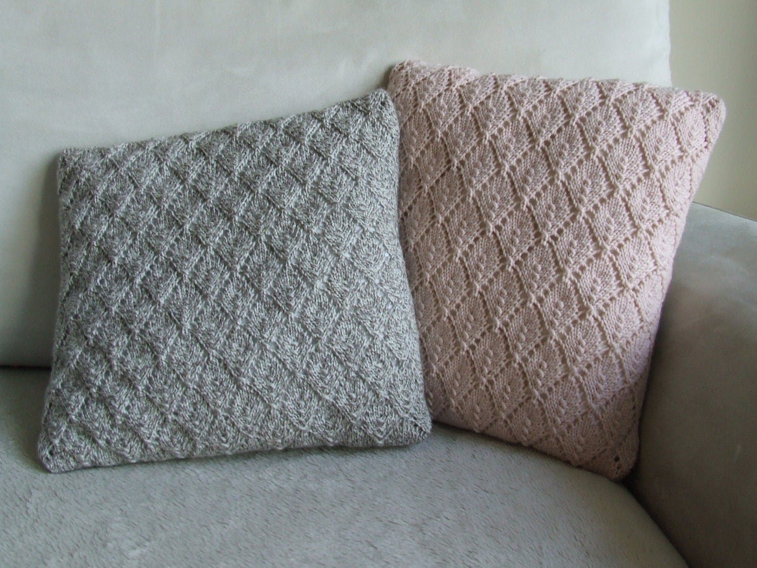 Free Knitting Cushion Patterns : Pale pink diamond pattern hand knitted cushion