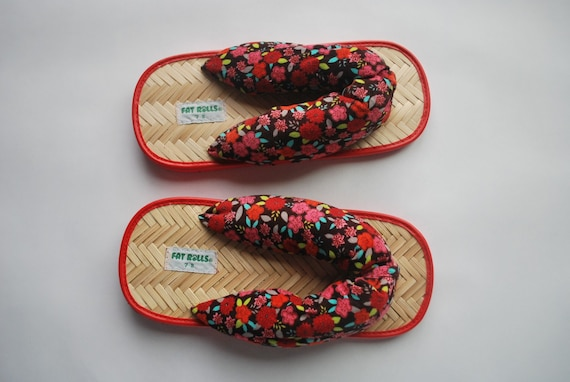 Kitschy and Colorful floral .adult flip flops . Brushed Corduroy Upper .Bamboo-n- foam sole .Fat Rolls: they grow on you. -womens 7 &8-