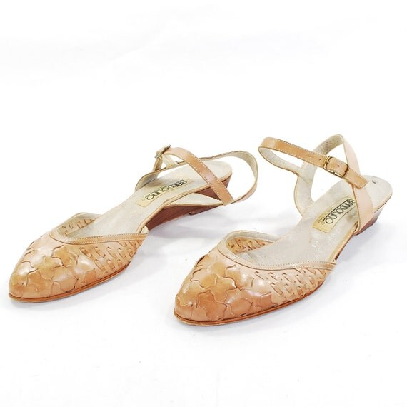 Wavy & Woven Slingback Sandals .blond leather pinup short kitten wedge heels .strappy and sexy -womens size 7-