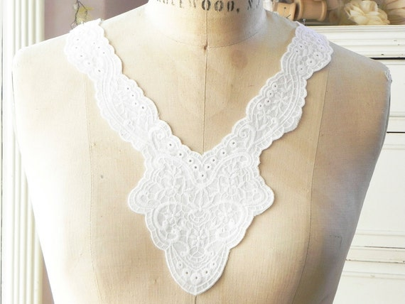 1applique collar yoke