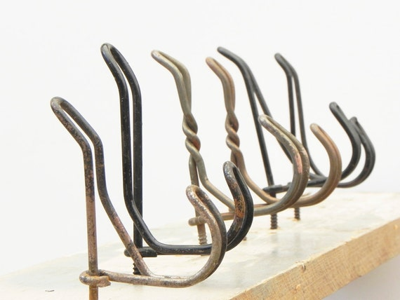 5 rusty vintage wire hooks hangers for making hat or coat rack