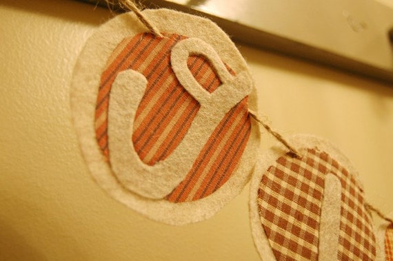 Felt Circle Garland Banner Tutorial