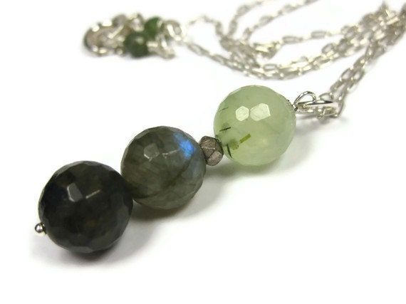 Green Stone Pendant Necklace Beaded Pendant Faceted Prehnite Labradorite