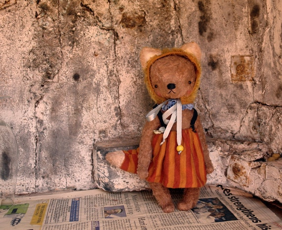 9 inch Vintage style Collectable Artist Handmade Teddy Bear Playing the Fox by Sasha Pokrass