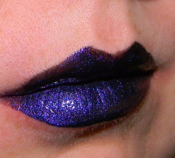 VOODOO Dark Purple Lip Gloss 10 ml Tube